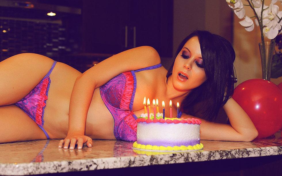 Brunette_Birthday__Sexy_Wallpaper_2.jpg