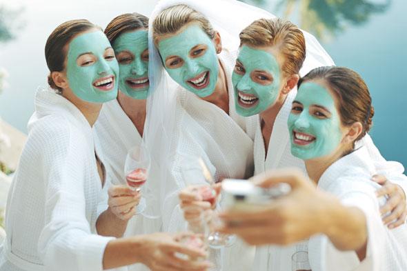 women-bride-bachelorette-party-spa-girls