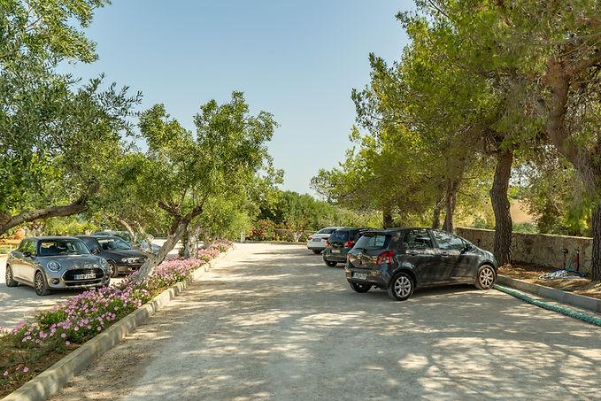 Achilles Hill Hotel Parking Area