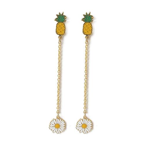 Hang Earring - Pineapple with daisy (ต่างหูสับปะรดห้อยเดซี่)