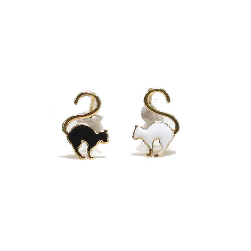 Love Cat Earring (ต่างหูแมวหางม้วน)