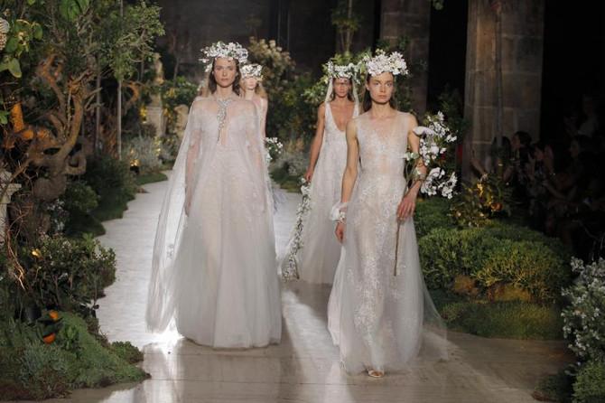 Barcelona Bridal Fashion Week 2018 - trendy w modzie ślubnej.