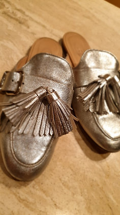 Tod's slippers silver preloved