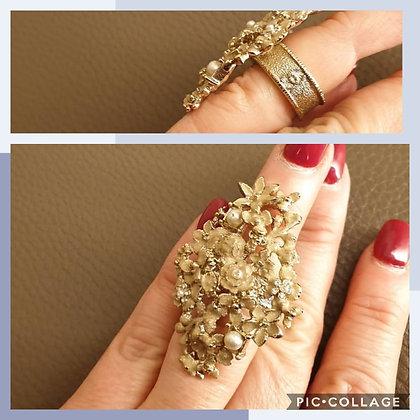 Chanel (vintage) fantasy ring