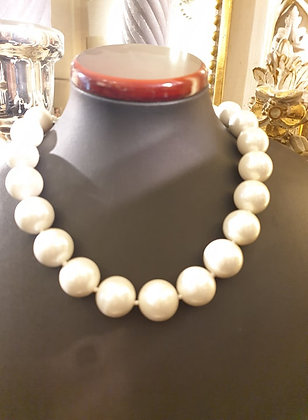 Pearl necklace 20mm white