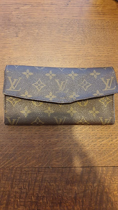 Louis Vuitton vintage wallet (older)