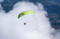 Loraine Humeau above cloud paragliding Himalaya Skywalk supair-4