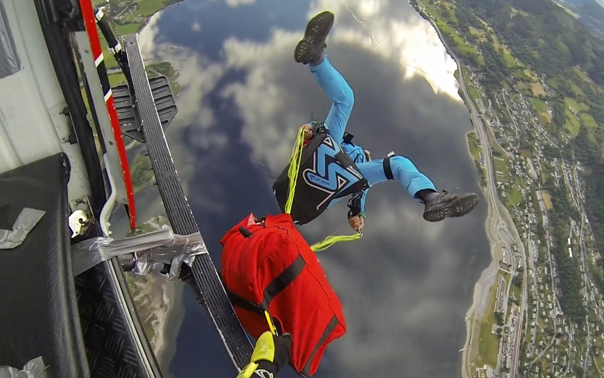 Back flip en sorti d'helicoptere a Voss duran l'extremspostweek. Francois Ragolski Norvege 2014