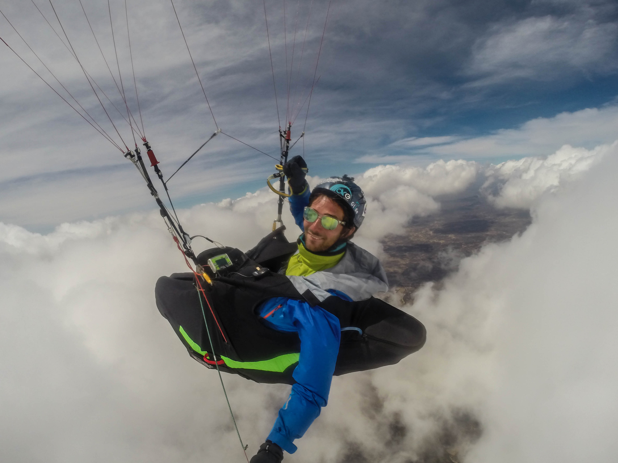 Brazil quixada expe parapente above the clouds Francois Ragolski
