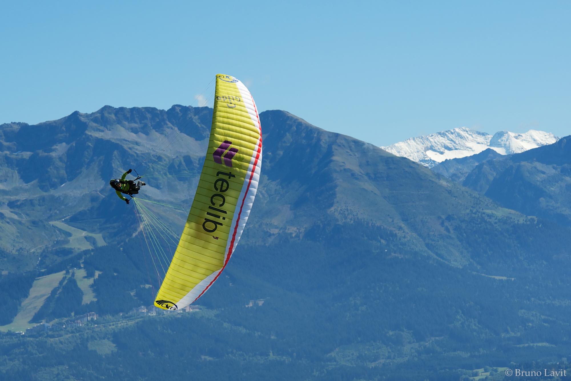 francois ragolski synchro paragliding  les arc teclib.