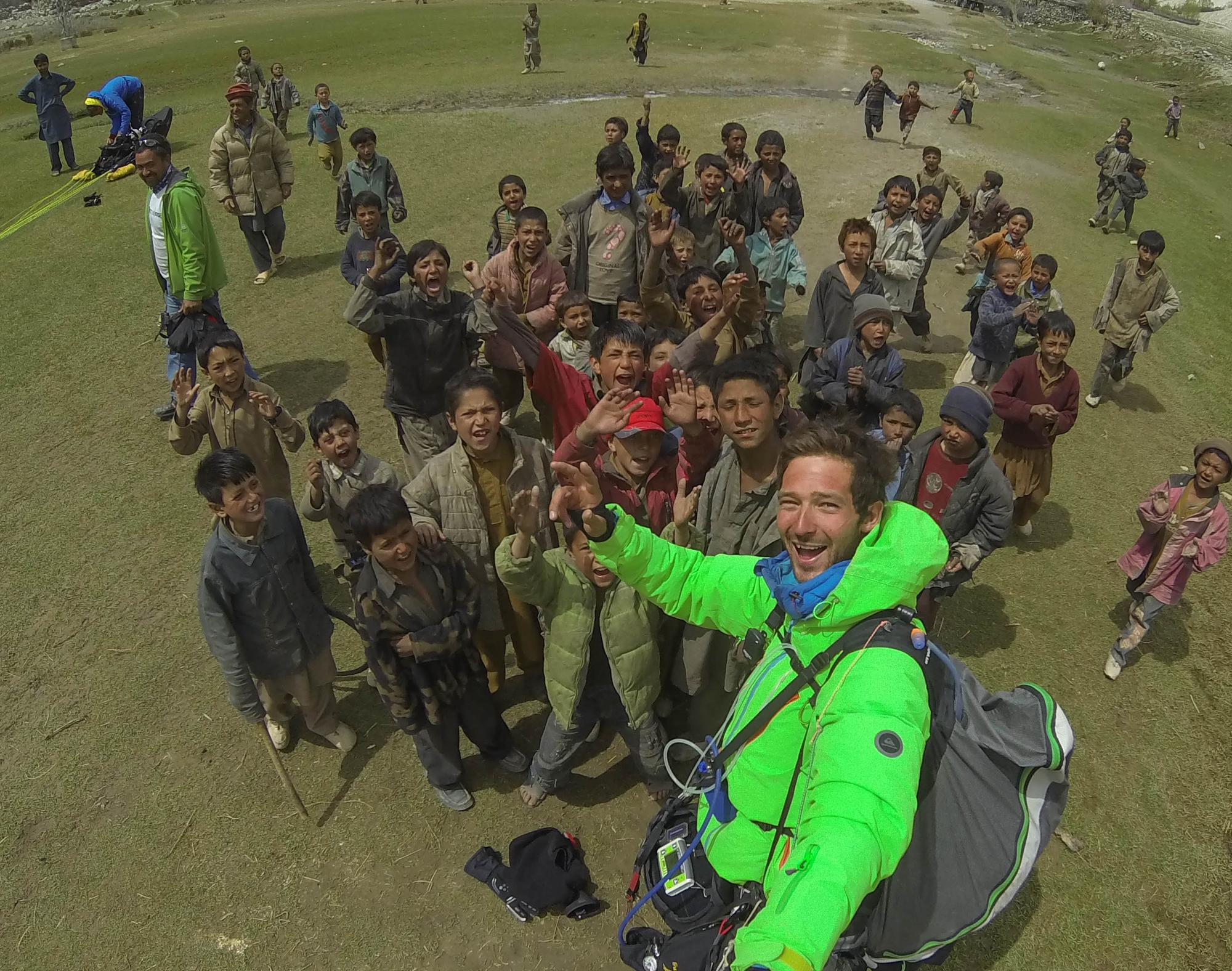 Pakistan expe Karakoram Ragolski Francois Ovcharov Veso Loncar Petar Shams Hushe Kids landing