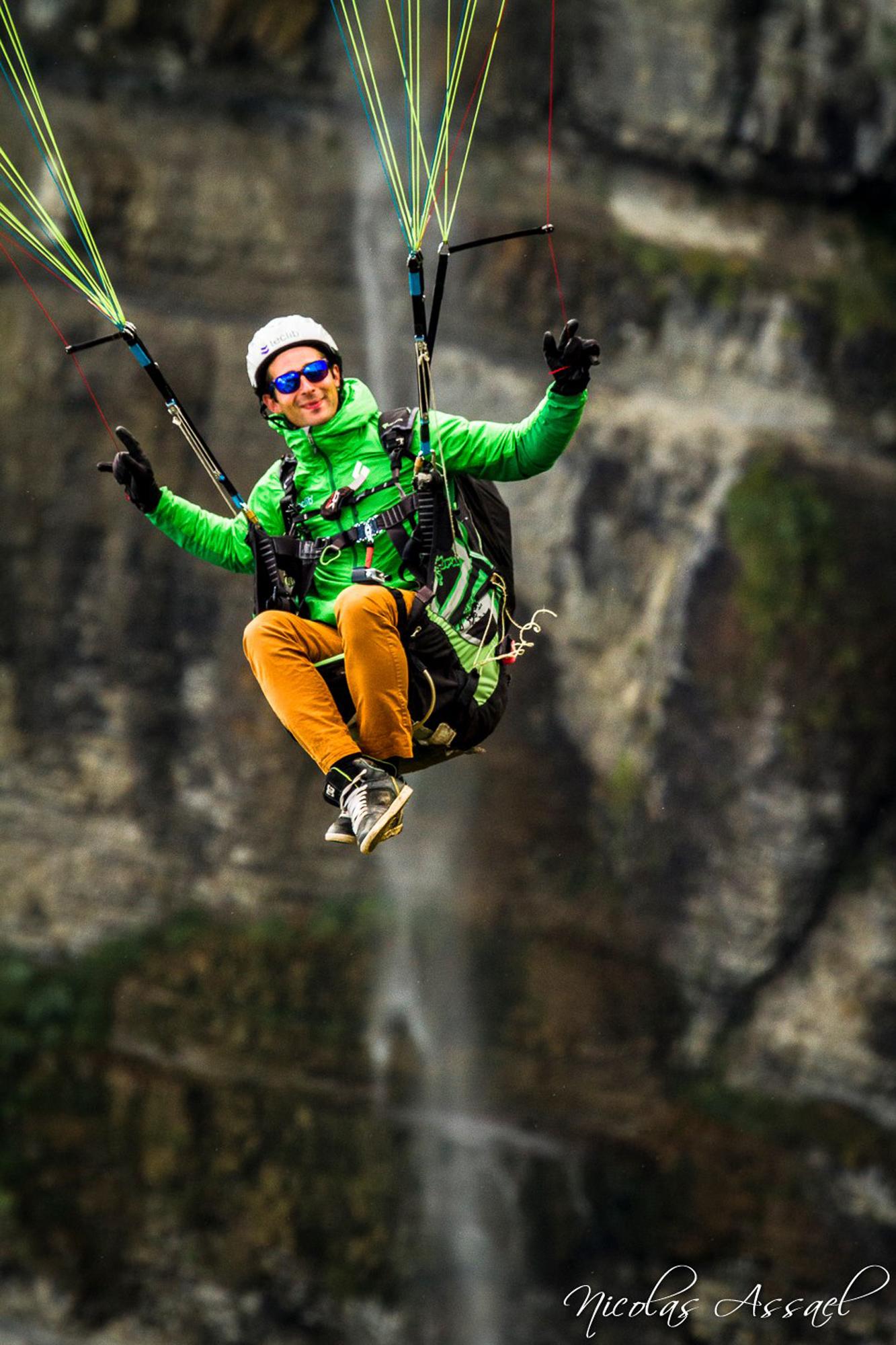 Francois-Ragolski-Coupe-Icare-Water-fall-Peace-photo-Nicolas-Assael