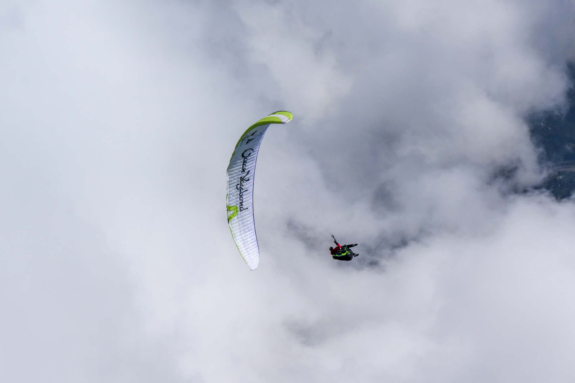 Loraine Humeau above cloud paragliding Himalaya Skywalk supair-3