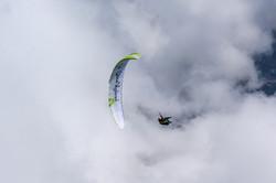Loraine Humeau above cloud paragliding Himalaya Skywalk supair-3