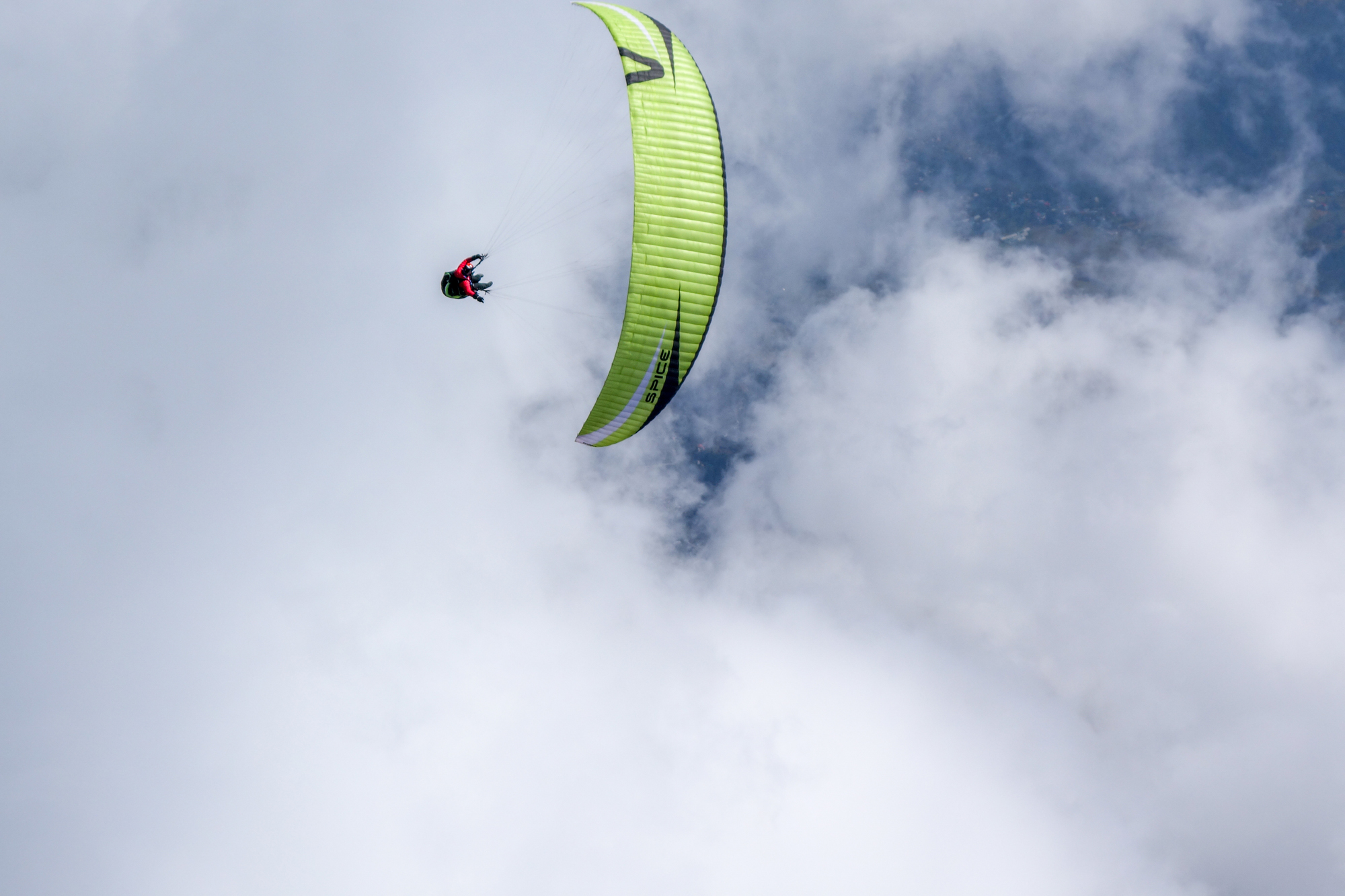 Loraine Humeau above cloud paragliding Himalaya Skywalk supair