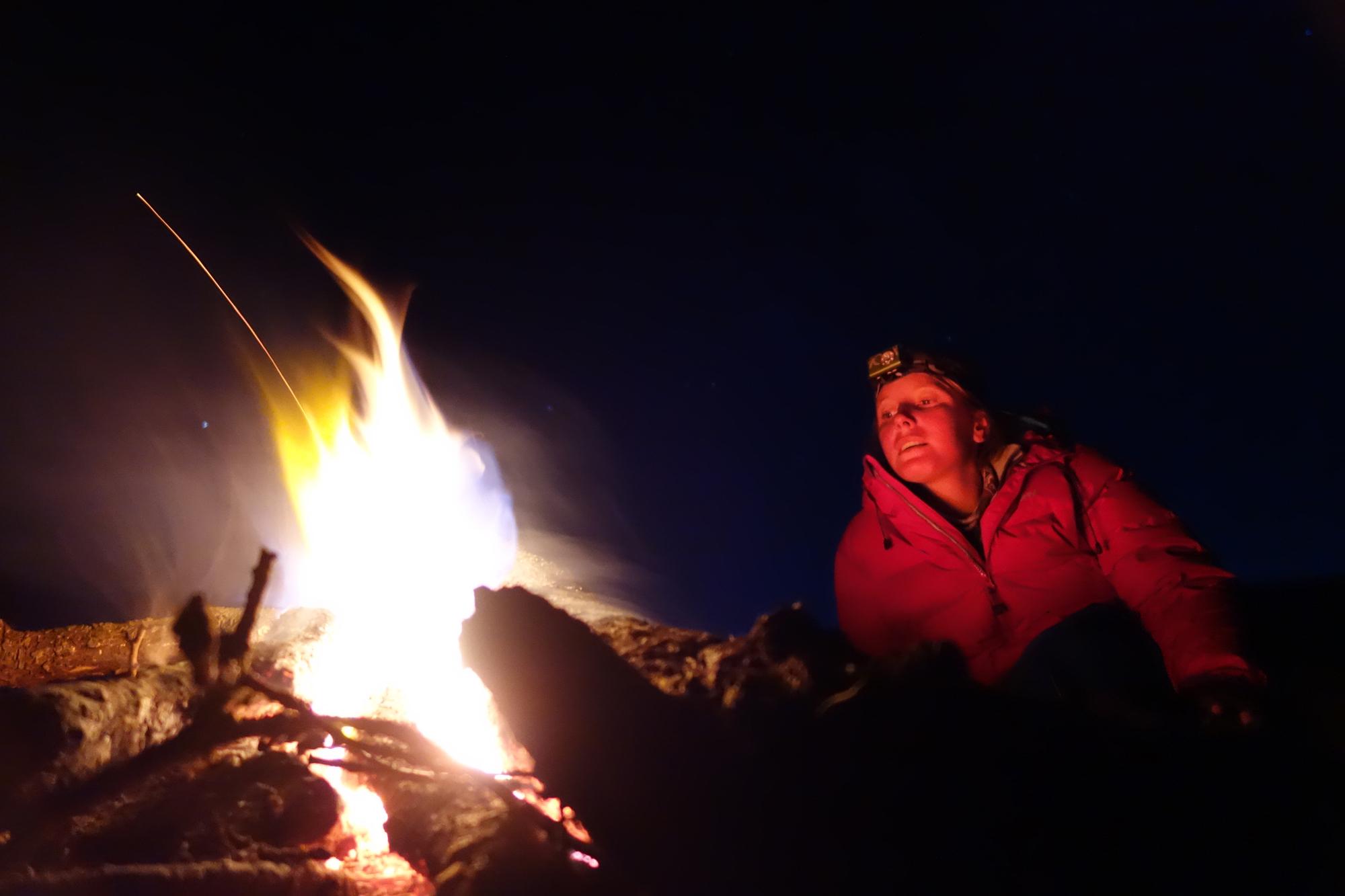 Loraine Humeau feu bivouac The Himalayan Paragliding Line (1 of 1)