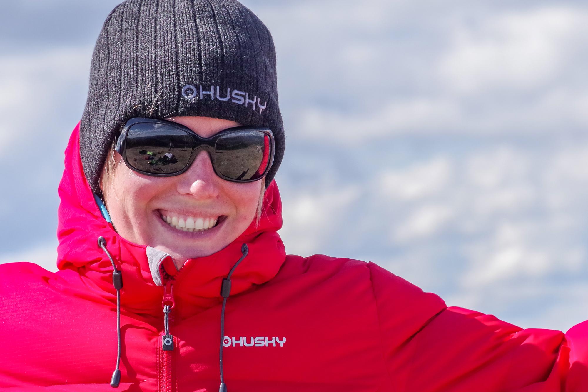 Loraine Humeau Husky Extreme doudoune et bonnet-2