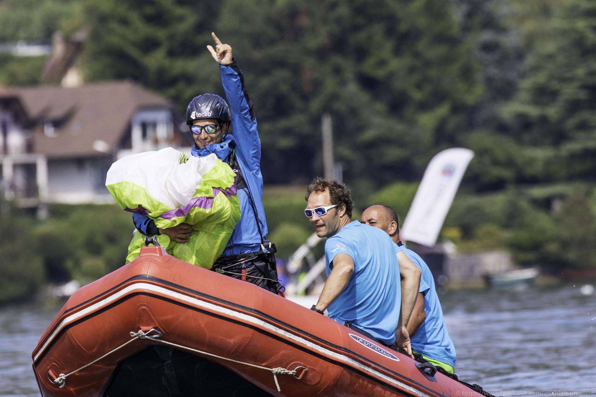 Victoire Championnat du monde parapente acrobatique Francois Ragolski 2