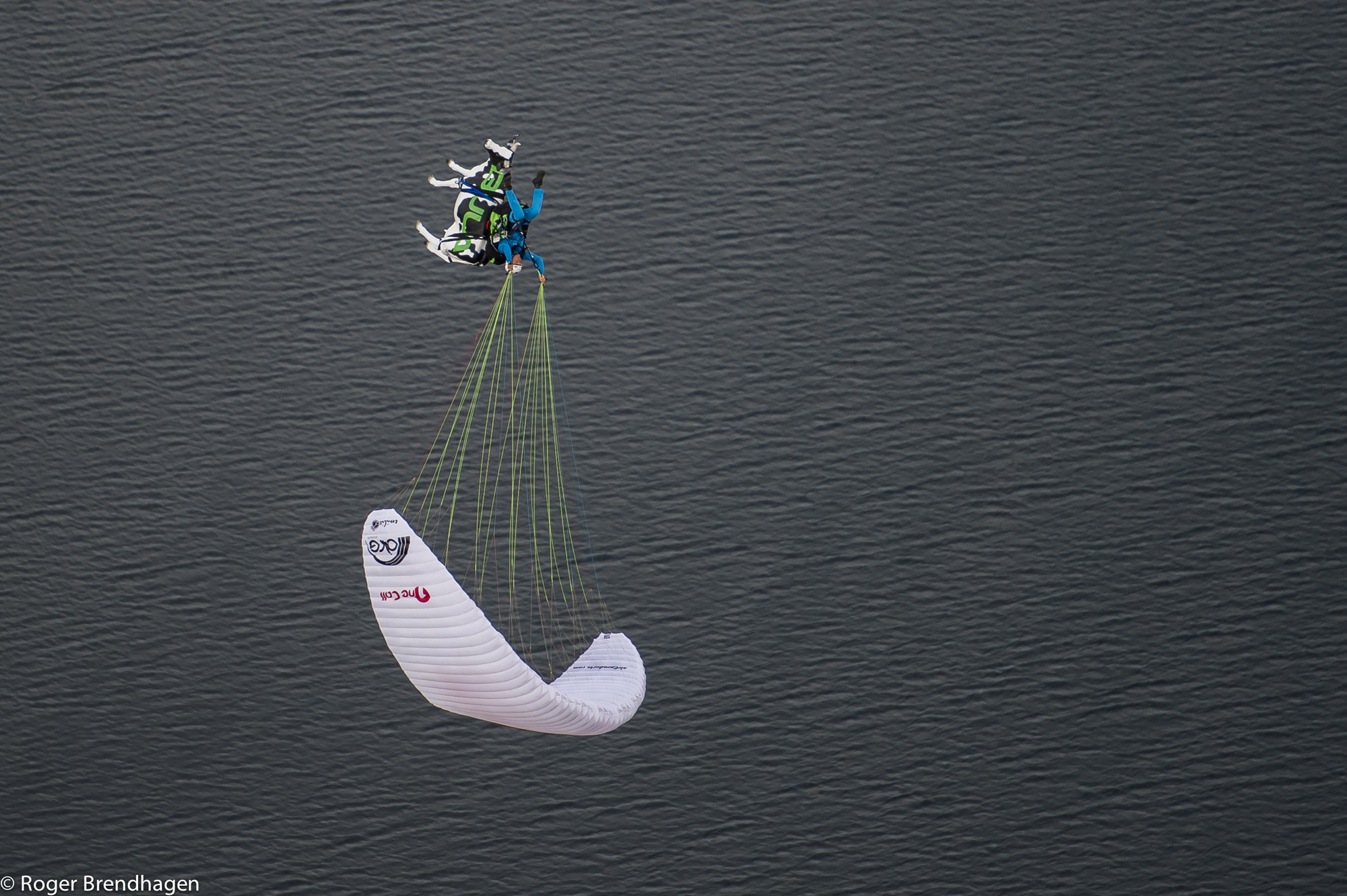Francois Ragolski acro pilot Photo- Roger Brendhagen-3
