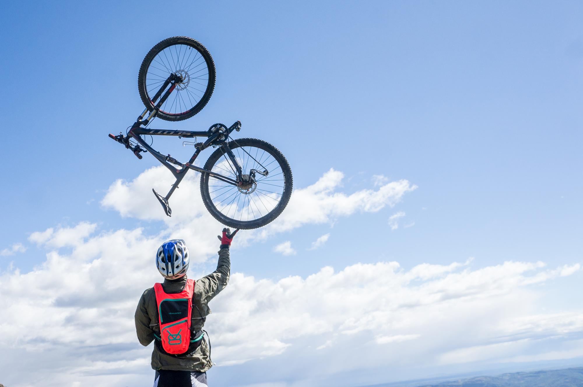 V8 equipment VTT Bike trip Digne les bains