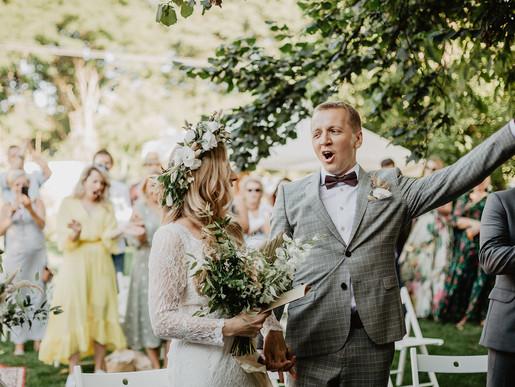 Ślub w plenerze w rytmie slow | Stodoła Czereśniowy Sad