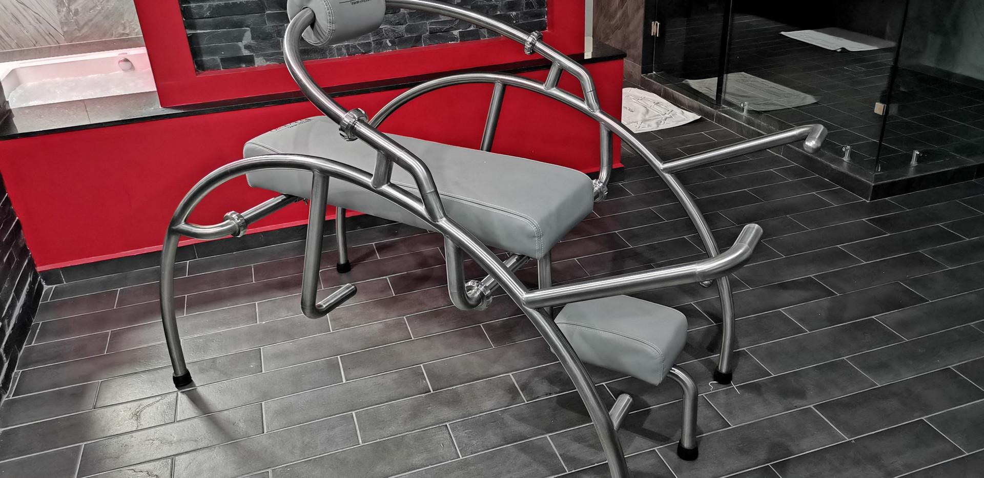 skapandi love chair.jpg