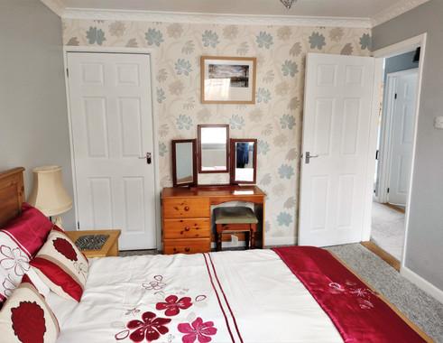 14-Penlee Master bedroom.jpg