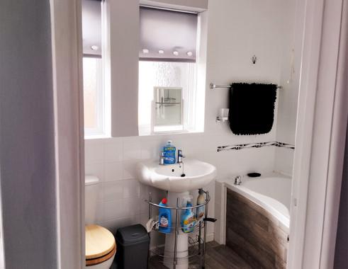 11-Penlee bathroom.jpg