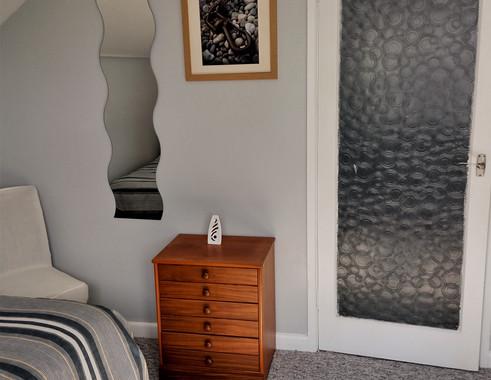 23-Twin Bedroom.jpg