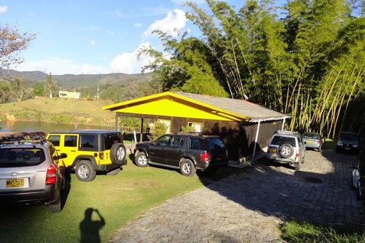 alquiler-de-cabanas-en-guatape1.jpg