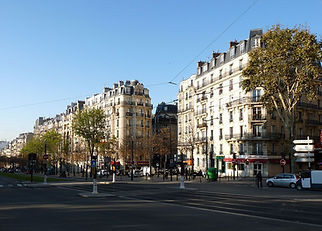 1200px-Paris_boulevard_lefebvre1.jpg