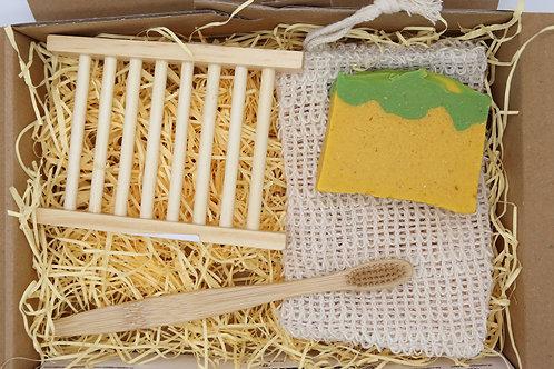 Caja regalo con jabonera, cepillo de dientes, bolsa para jabón y jabón