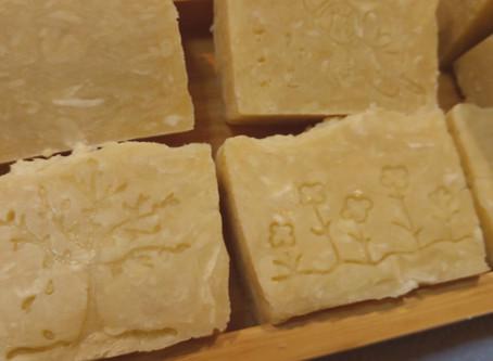 Cómo elaborar jabón por el proceso en caliente: jabón de eucalipto y lavanda