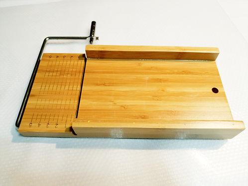 Cortador de jabón de madera hecho a mano con recta de acero inoxidable