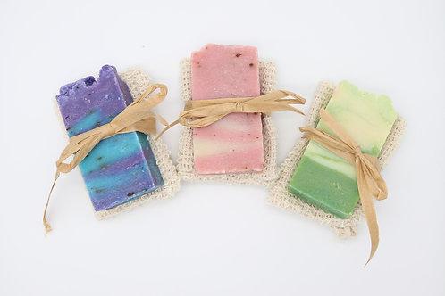 Jabones artesanos y bolsa para jabón