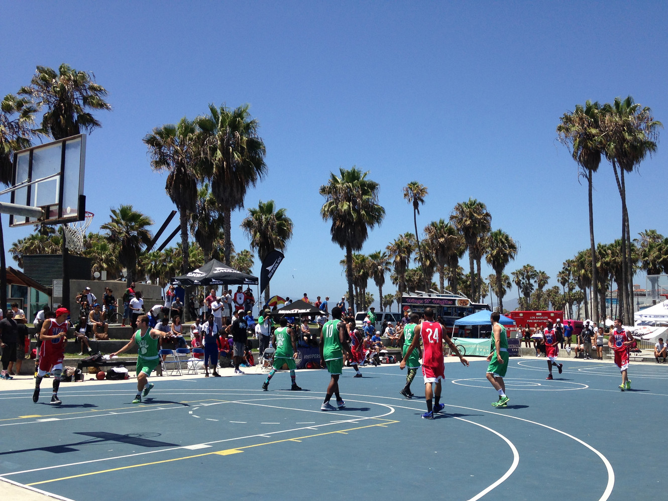 Tournoi de basket à Venice Beach
