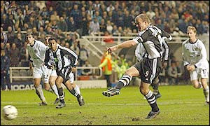 Shearer scores the winning goal from the spot to keep the Champions League dream alive. Picture courtesy of BBC Sport.