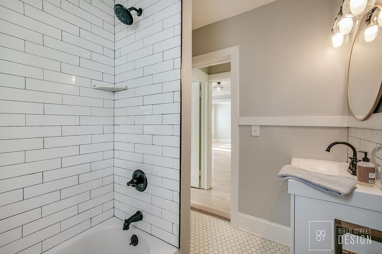 Kenosha-Interior-Designer_Vintage Bathroom.jpg
