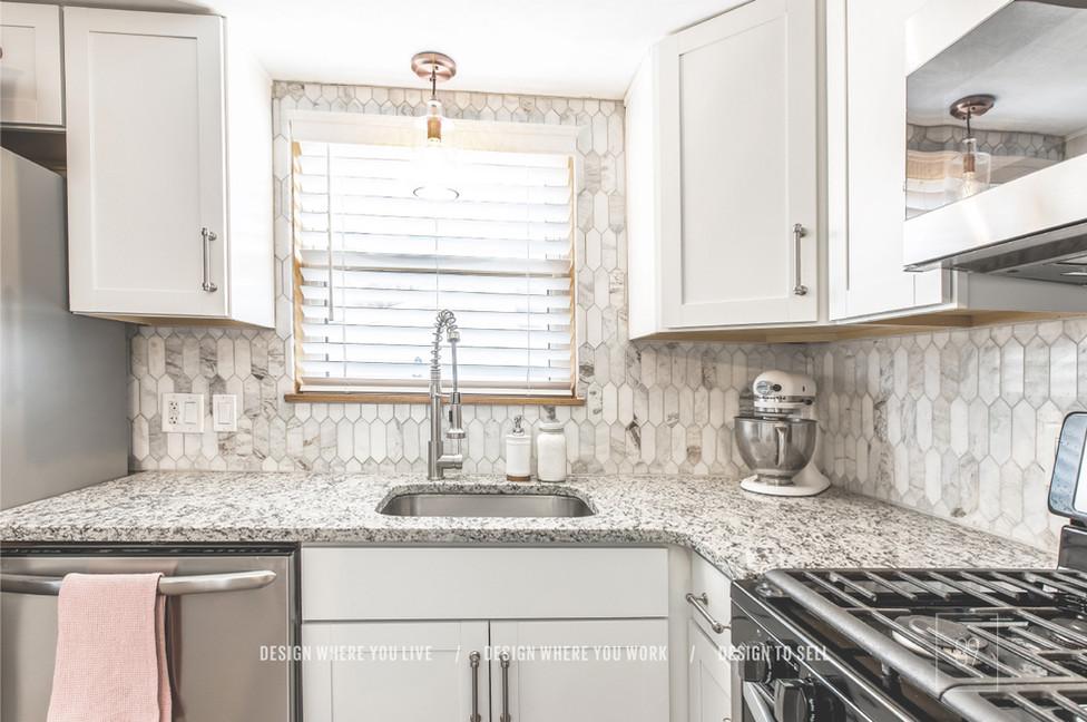 89th-St_After_Kitchen_Budget_Oak_Ceramic-Tile_90s_Kitchen_Renovation_WhiteCabinets_Marble-