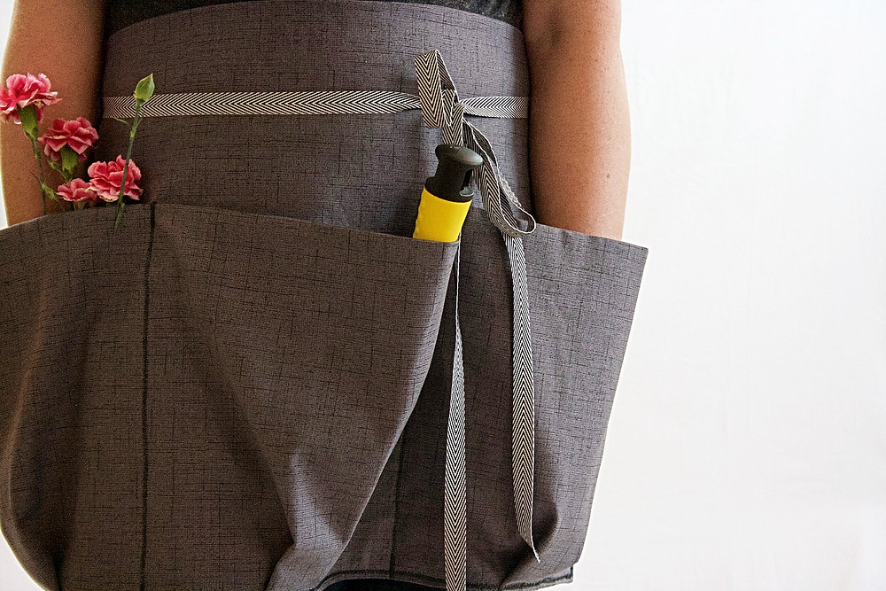 Gardening Apron with deep pockets