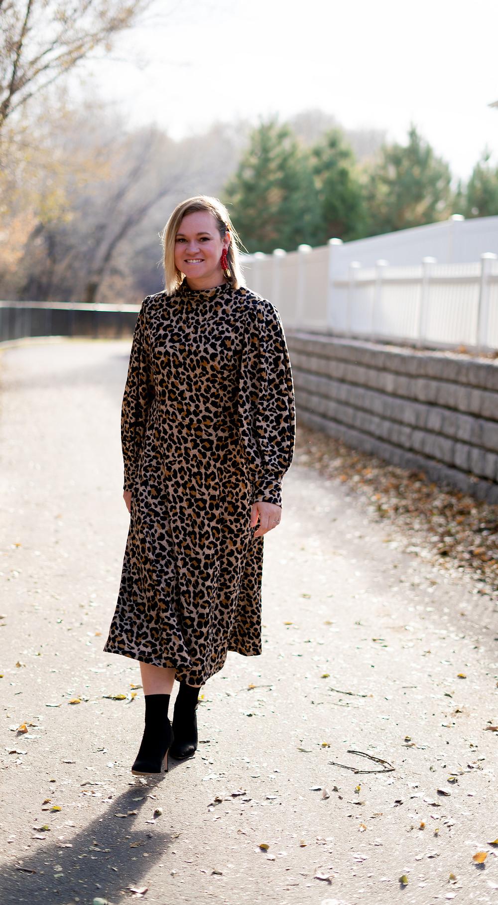 Vogue 1633 Leopard Knit Sweater Dress