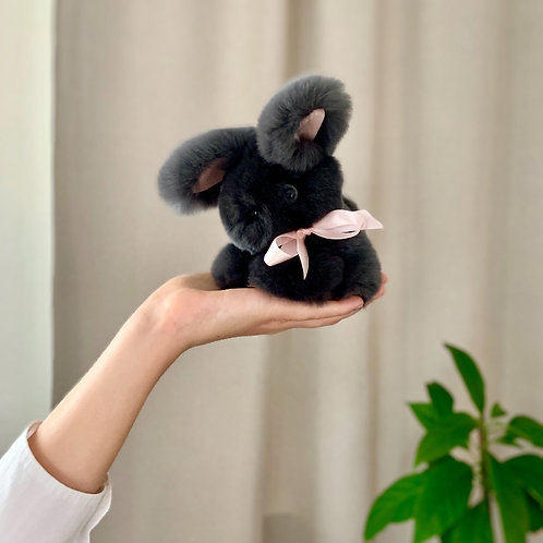 Кролик Тоша маленький (тёмный графит)