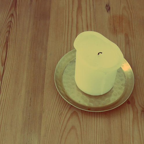 8 Gold beaten candle plates