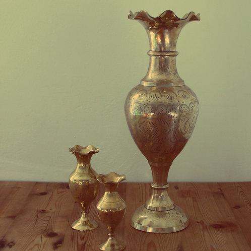 1 Large brass flower vase