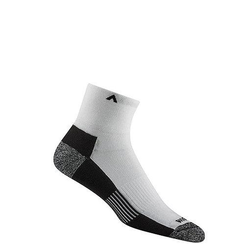 Wigwam Men's Attain MidWeight Quarter Socks
