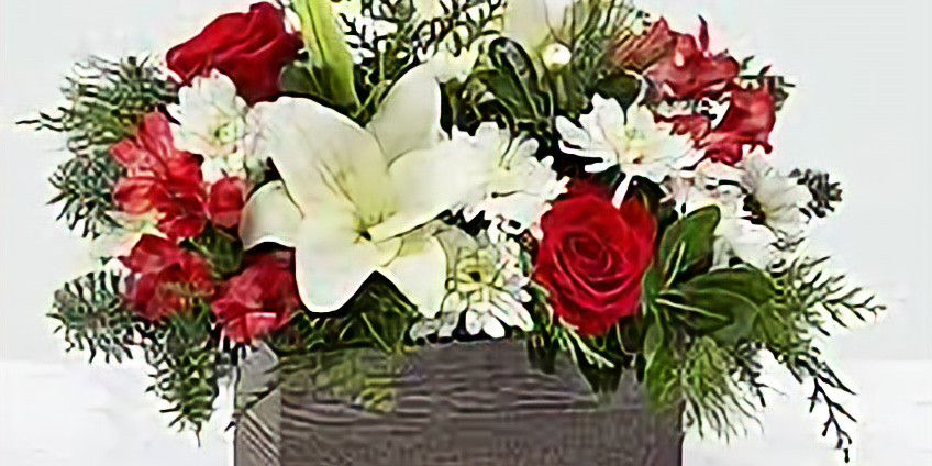 Floral Table Arrangements and Seasonal Centerpieces.