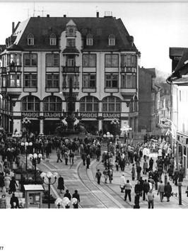 Bundesarchiv_Bild_183-S1115-0008,_Erfurt