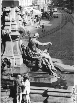 Bundesarchiv_Bild_183-L0107-0302,_Erfurt
