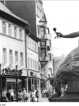 Bundesarchiv_Bild_183-U0907-0016,_Erfurt