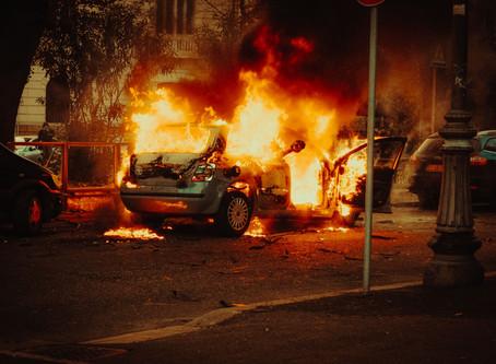 火燒車皮膚受損 勞保加車險怎麼領